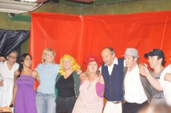 MPFC The cast final curtain